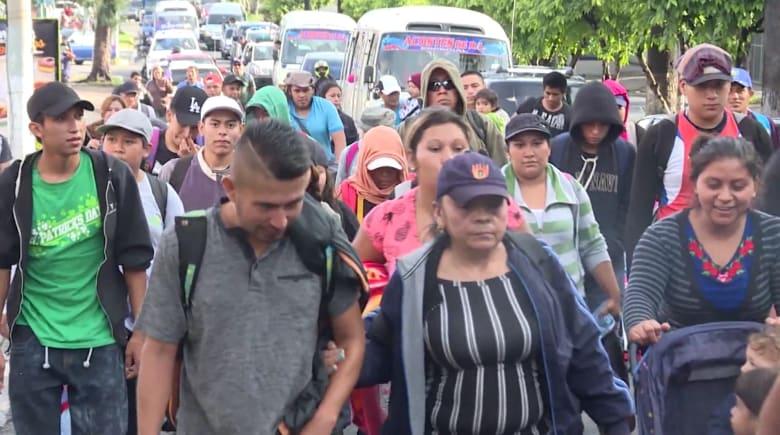 """""""الجيش بانتظاركم"""".. نشر 5200 جندي أمريكي على حدود المكسيك مع اقتراب المهاجرين"""