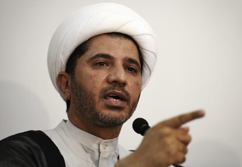 القضاء البحريني يحكم بالمؤبد على القيادي الشيعي المعارض علي سلمان