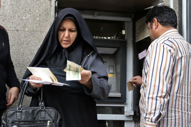 ارتفاع طفيف للريال الإيراني.. وزير المالية: الحفاظ عليه دفاع عن الهوية