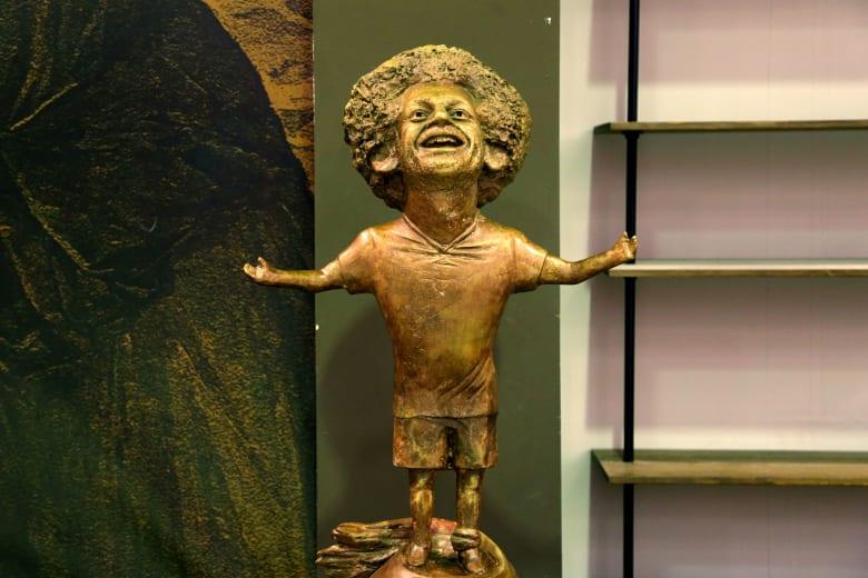 مصممة تمثال محمد صلاح: بطلنا كلمني.. وهذا ما طلبه مني