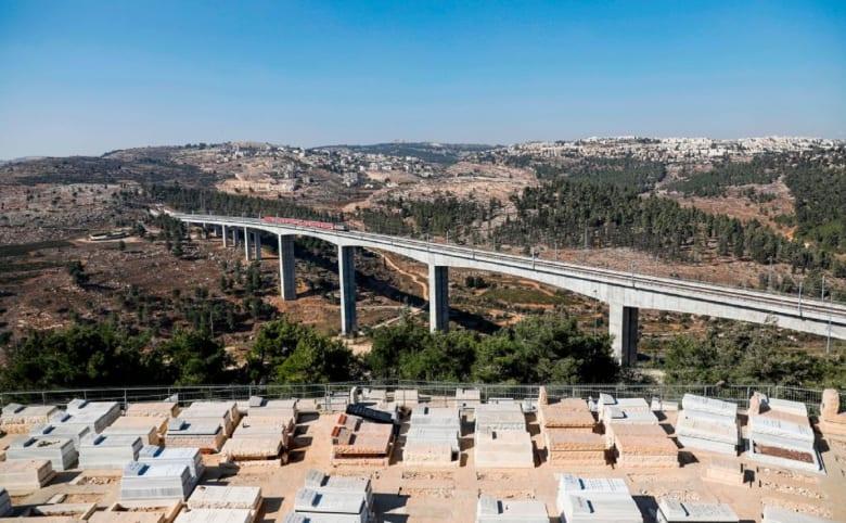 """""""إسرائيل تتكلم بالعربية"""" تنشر فيديو """"المشروع الواعد"""" لـ""""تغيير ملامح المنطقة"""""""