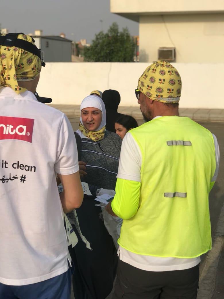 """رياضيون يمارسون الـ """"Plogging"""" في مدينة جدة.. فما هي؟"""
