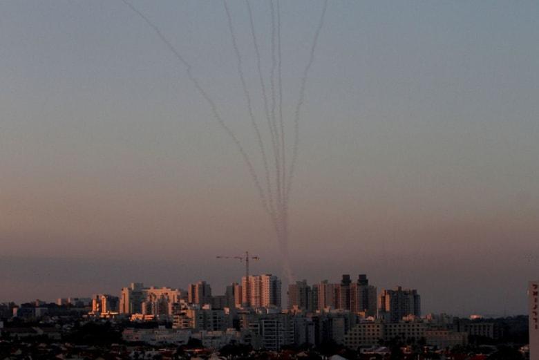 سقوط أول قتيل في إسرائيل منذ حرب غزة 2014.. وضرب 100 هدف فلسطيني