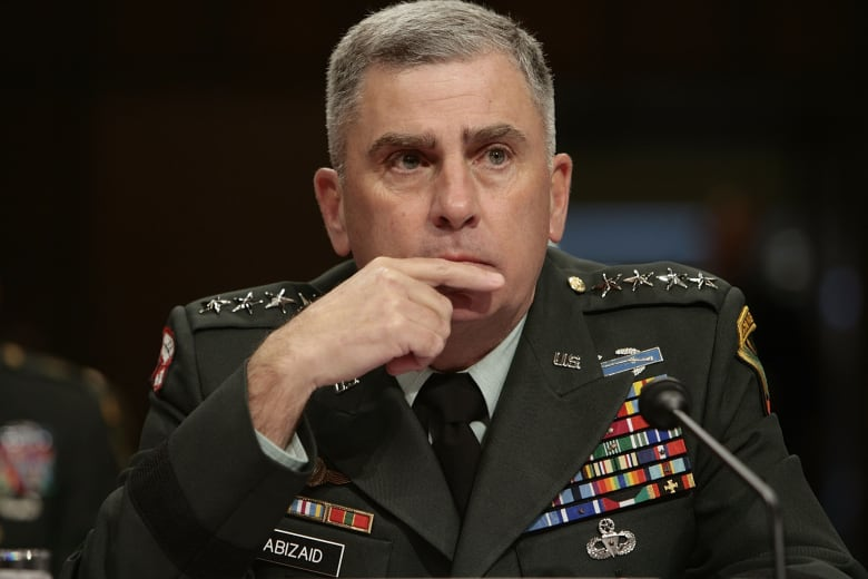 بعد فراغ لعامين.. ترامب يرشح قائدا عسكريا لمنصب سفير بالسعودية