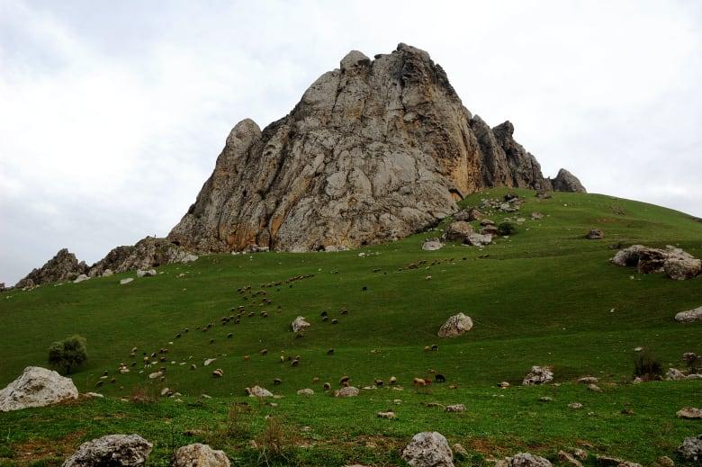 جبل الأصابع الخمسة الأسطوري بأذربيجان.. حيث تتحقق الأمنيات