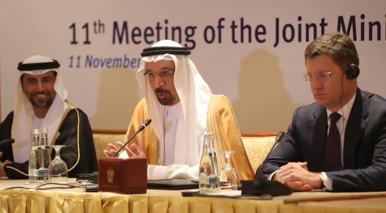 """""""الطاقة الدولية"""" تُرحب بفائض النفط.. وخبيران لـCNN: خفض الإنتاج ضروري"""