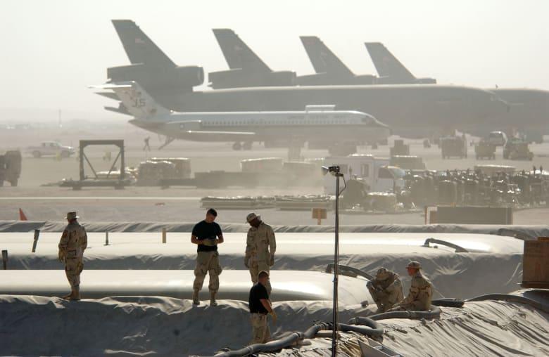 بومبيو يناقش توسيع قاعدة عديد مع وزير دفاع قطر