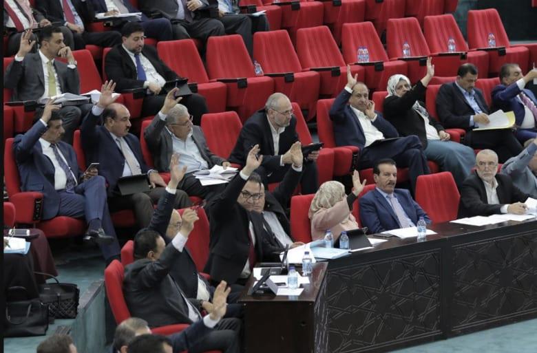 برلمان الأردن يقر قانون ضريبة الدخل..ووزير المالية لـCNN: يضيف 235 مليون دولار