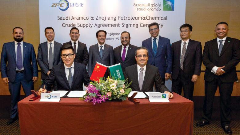 أرامكو السعودية تستعيد صدارة موردي النفط للصين