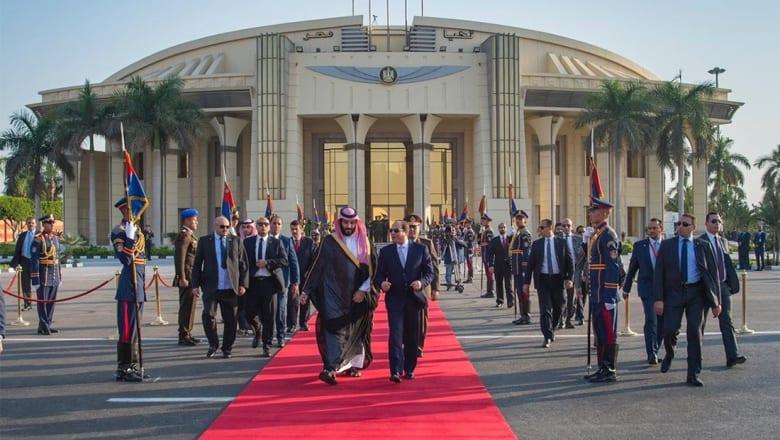 كيف استقبل مصريون ولي عهد السعودية في الشوارع؟