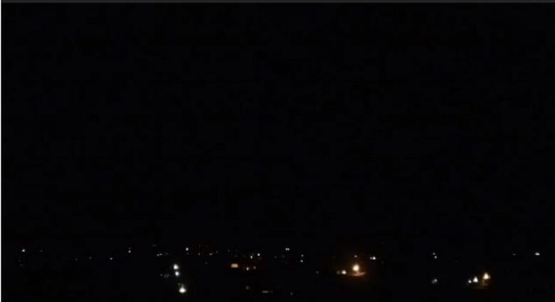 """سانا: وسائط الدفاع الجوي السوري تتصدى لأهداف """"معادية"""" فوق """"الكسوة"""" وتسقطها"""