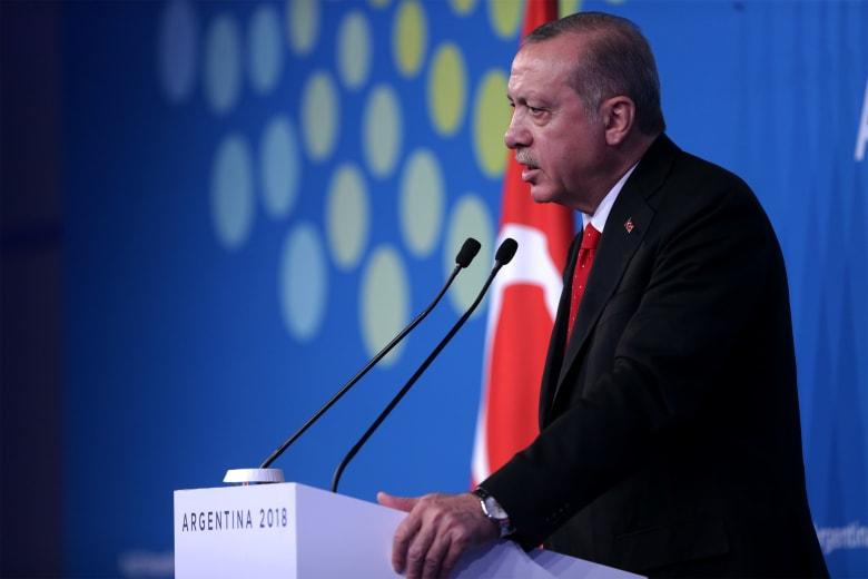 أردوغان مغردا: علينا الإسراع بتخفيف آلام الشعب اليمني المظلوم الذي ترك لمصيره