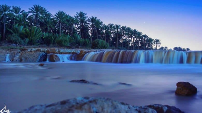 بعد جفاف دام 11 عاماً.. مصور يُخلد ذكرى جريان هذا الوادي السعودي