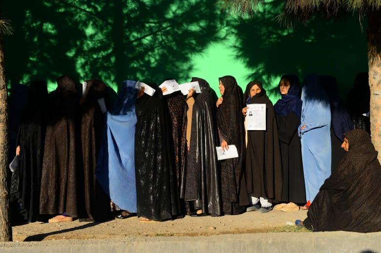 کاملیا انتخابی فرد تكتب لـCNN: لماذا لا تهتم الدول العربية المسلمة بأفغانستان؟