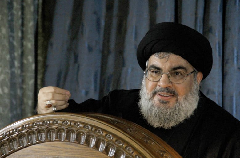 """أدرعي يخاطب نصرالله بـ""""الكتاب والسنّة"""" وينشر فيديو لنفق يستخدمه حزب الله"""