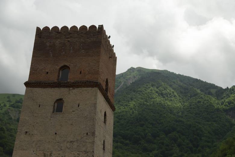 """قلعة """"سوموغ"""" بأذربيجان.. حيث كان الخان يعدم عشيقاته غير المخلصات"""