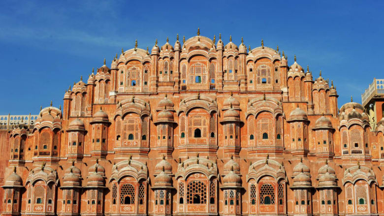 مدينة جايبور في الهند.. جمال معماري وسط الجبال
