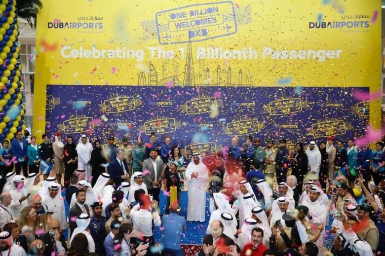 كيف احتفل مطار دبي الدولي باستقبال الزائر رقم مليار؟