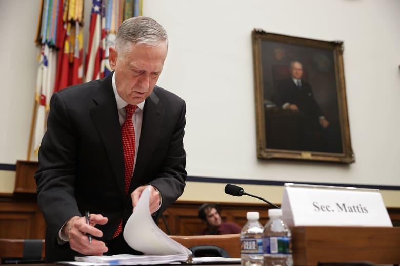 وزير دفاع أمريكا يستقيل.. ومصادر تبين لـCNN السبب