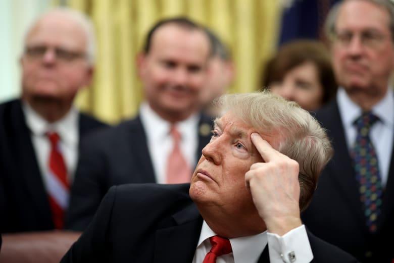 ترامب يكلف نائب ماتيس بالقيام بأعمال وزارة الدفاع.. ومصدر مطلع يكشف أنه غاضب