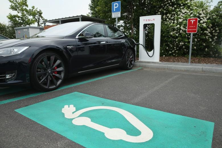 هل يصبح 2019 عام السيارات الكهربائية الفاخرة؟
