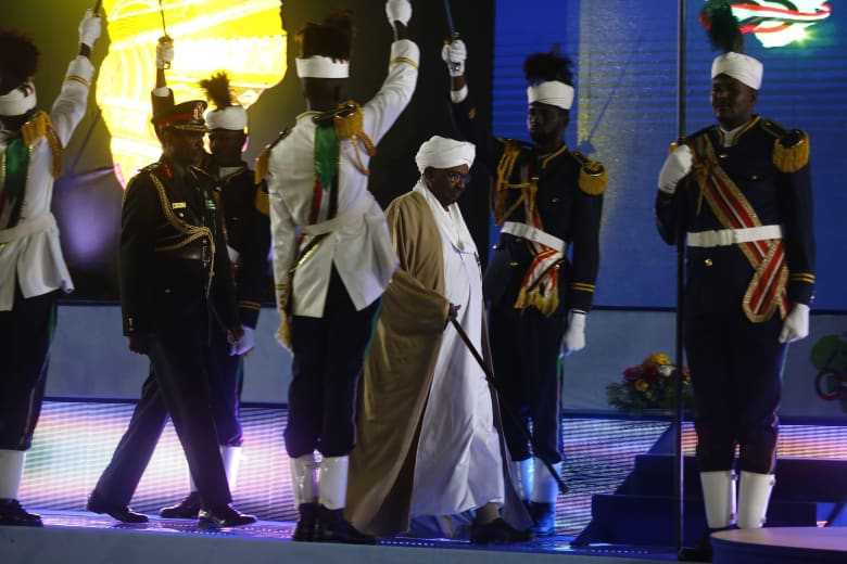 أمين عام اتحاد علماء المسلمين يدعو السودانيين وحكومتهم للالتزام بـ4 أمور