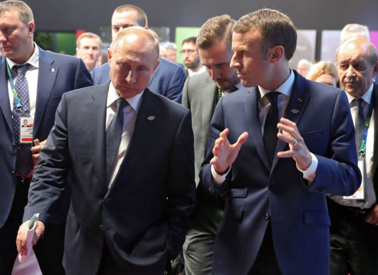 ماكرون في مكالمة مع بوتين: محاربة الإرهاب في سوريا أولوية فرنسية