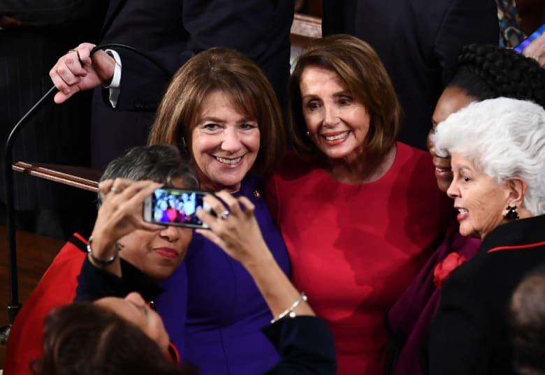 نانسي بيلوسي تصنع التاريخ.. للمرة الثانية رئيسة لمجلس النواب الأمريكي