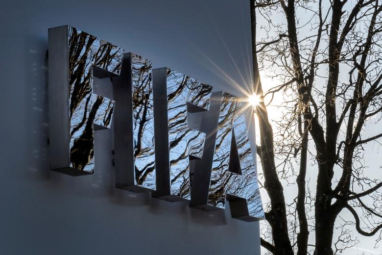 الفيفا يطالب بإعادة اللاعب البحريني حكيم العريبي إلى أستراليا