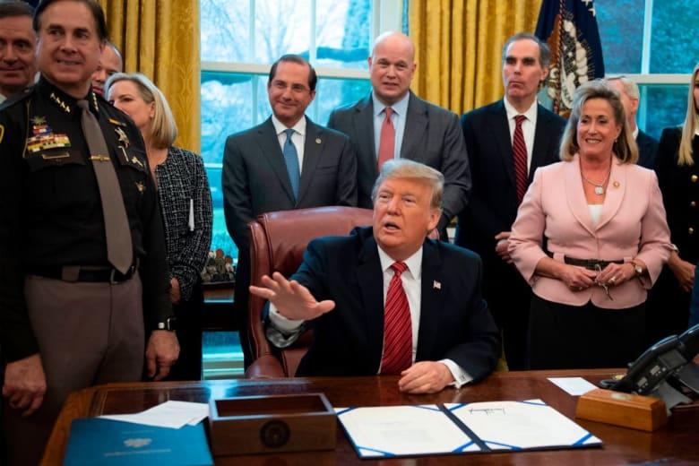 ترامب يقترح خطوة جديدة بشأن تمويل الجدار الحدودي