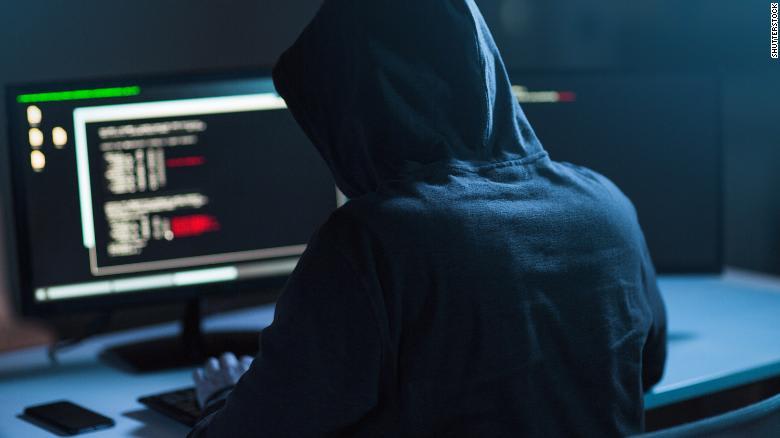 """حكم بالسجن 3 سنوات على """"هاكر"""" قطع الإنترنت عن دولة بأكملها"""
