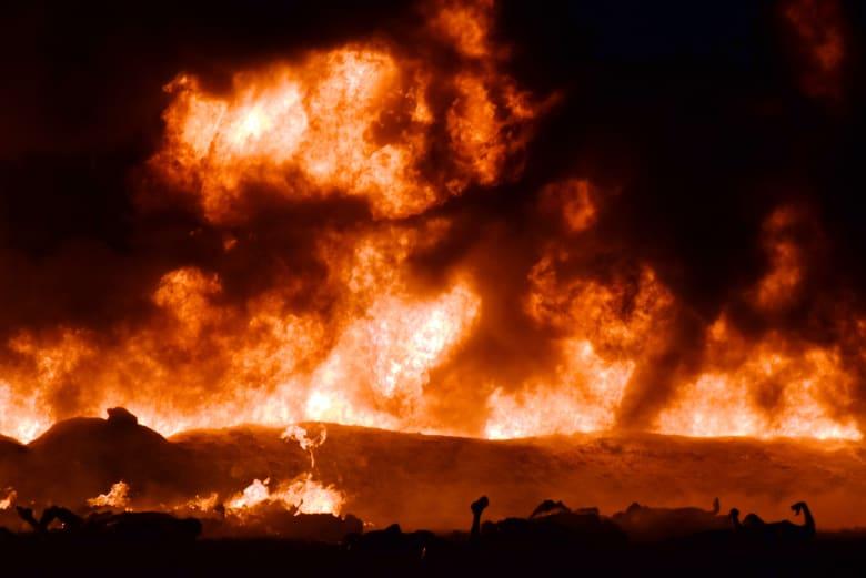 """السلطات المكسيكية: سبب انفجار خط أنابيب غاز محاولة """"سرقة الوقود"""""""