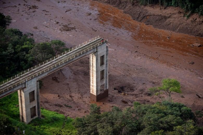 البرازيل.. 200 مفقود إثر انهيار سد