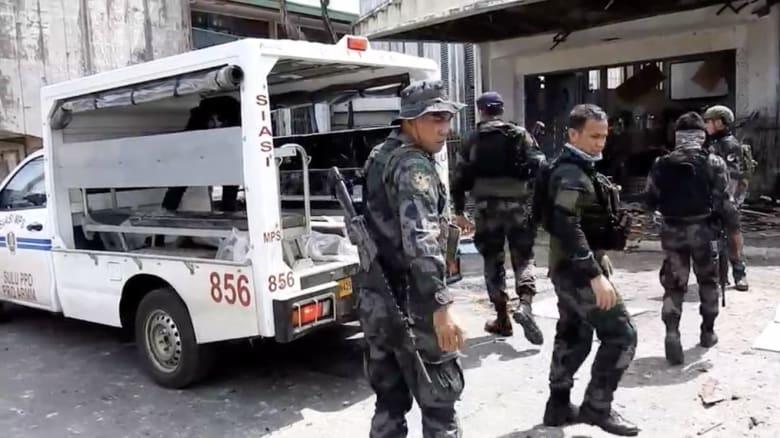 مقتل 20 على الأقل وإصابة العشرات في تفجيرين هزا كنيسة بالفلبين