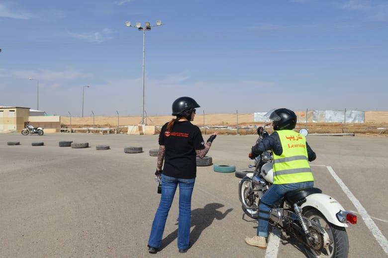 هل سيقتحمن هؤلاء النساء السعوديات شوارع المملكة بدراجاتهن النارية؟