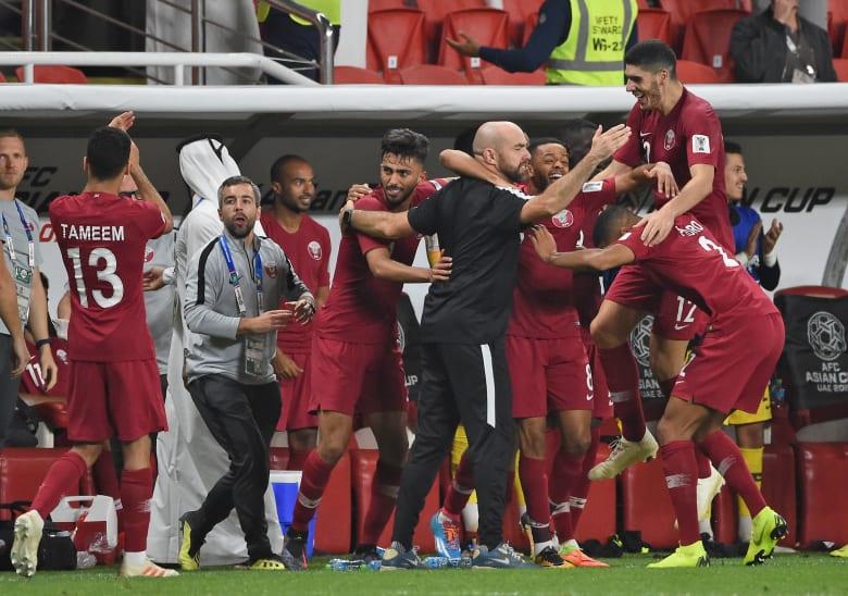 من حمد بن جاسم إلى جوعان بن حمد.. ما هي أبرز التعليقات القطرية على فوز المنتخب ضد الإمارات