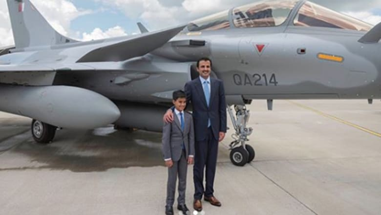 كيف احتفل ابن أمير قطر بفوز منتخب بلاده على الإمارات؟
