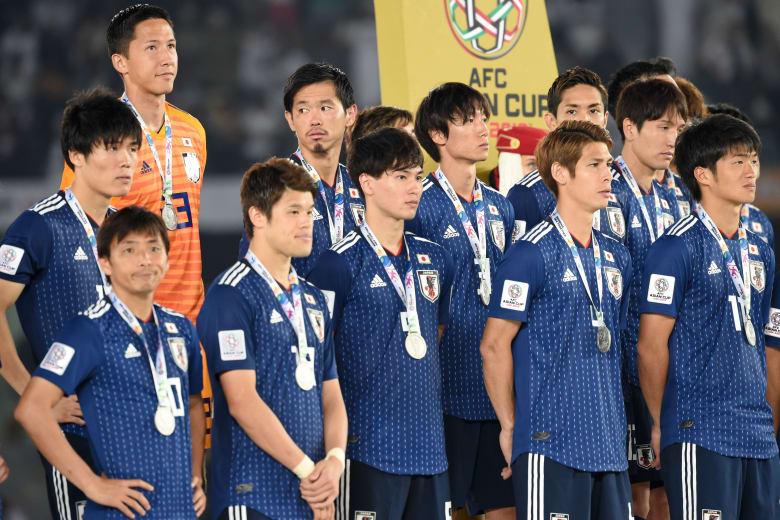 منتخب اليابان ينظف غرفة ملابسه بعد مباراة قطر ويترك رسالة بـ3 لغات
