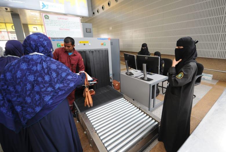 أعداد اللاجئين السعوديين بأعلى مستوى بعد العام 2015.. فما السبب؟