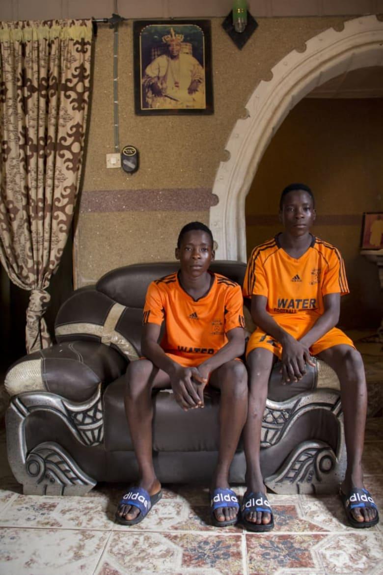 تعرف إلى القرية التي تقدس التوأم من خلال عدسة هذا المصور النيجيري