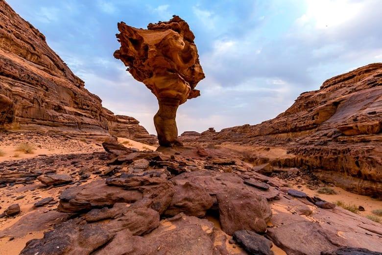 """ما هو """"الماضي الجميل"""" الذي اكتشفه هذا المصور السعودي في مدائن صالح؟"""