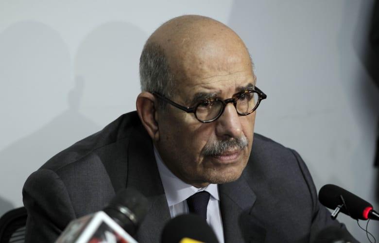 """البرادعي يحذر من """"الجهل"""" و""""الغباء"""" في محاولة تغيير الدستور المصري"""