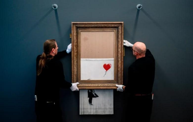 بعد أن تمزقت أمام أعين الحضور.. هذا المتحف يعيد عرض لوحة بانكسي