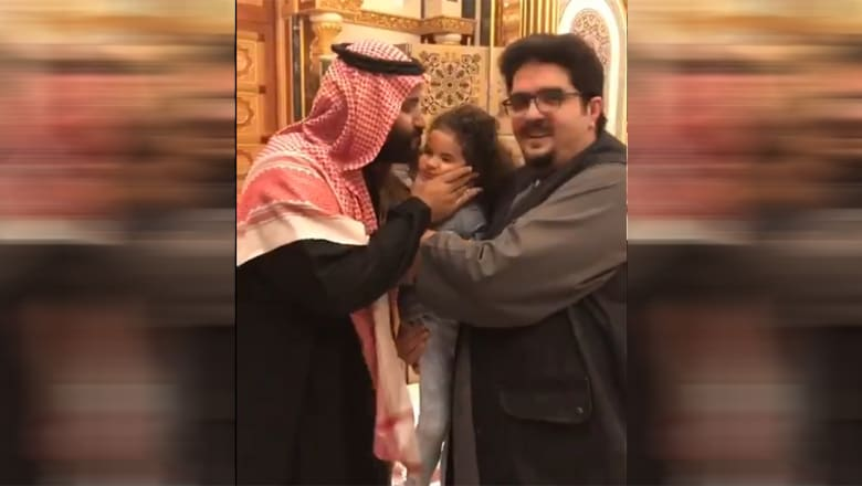من هو الأمير عبدالعزيز بن فهد؟ وكيف تفاعل مغردون مع فيديو زيارة ولي عهد السعودية له؟