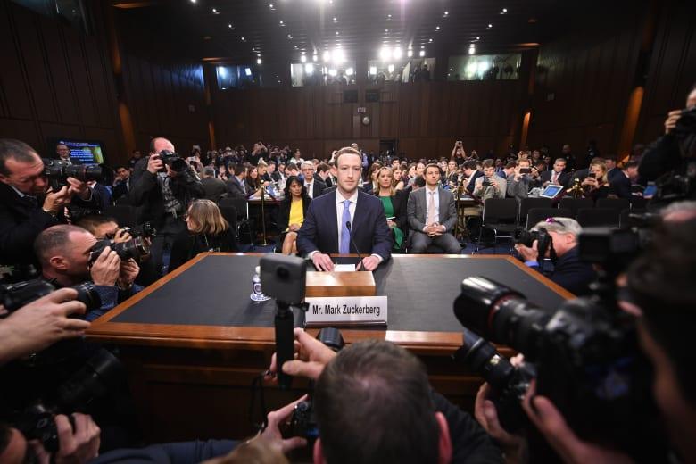 """صداع جديد لـ""""فيسبوك"""".. وهذه المرة من البرلمان البريطاني"""