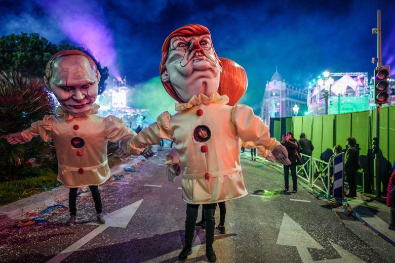 """مجسمات """"مهرجين أشرار"""" على شكل هؤلاء الرؤساء في مهرجان نيس"""