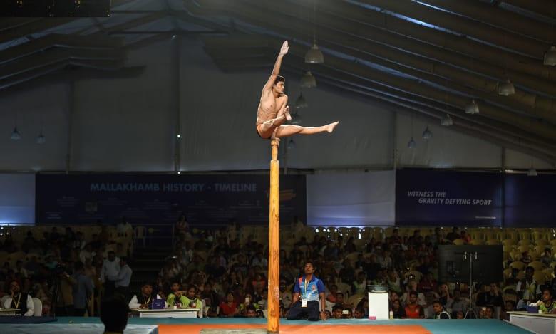 """الهند تستضيف أول بطولة لرياضة """"اليوغا على العمود"""""""
