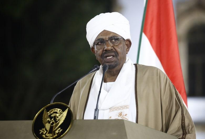 البشير يعين رئيس وزراء ووزير دفاع جديدين.. ويستقبل مبعوث أمير قطر