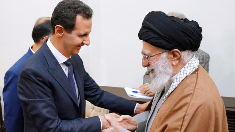 """خامنئي وصفه بـ""""بطل"""" العالم العربي.. تفاصيل أول زيارة للأسد إلى إيران منذ 2010"""