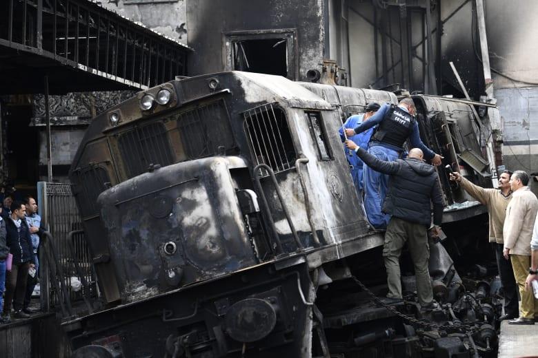 """أحد مُنقذي ضحايا حريق محطة مصر يروي لـCNN تفاصيل """"لحظات الجحيم"""""""